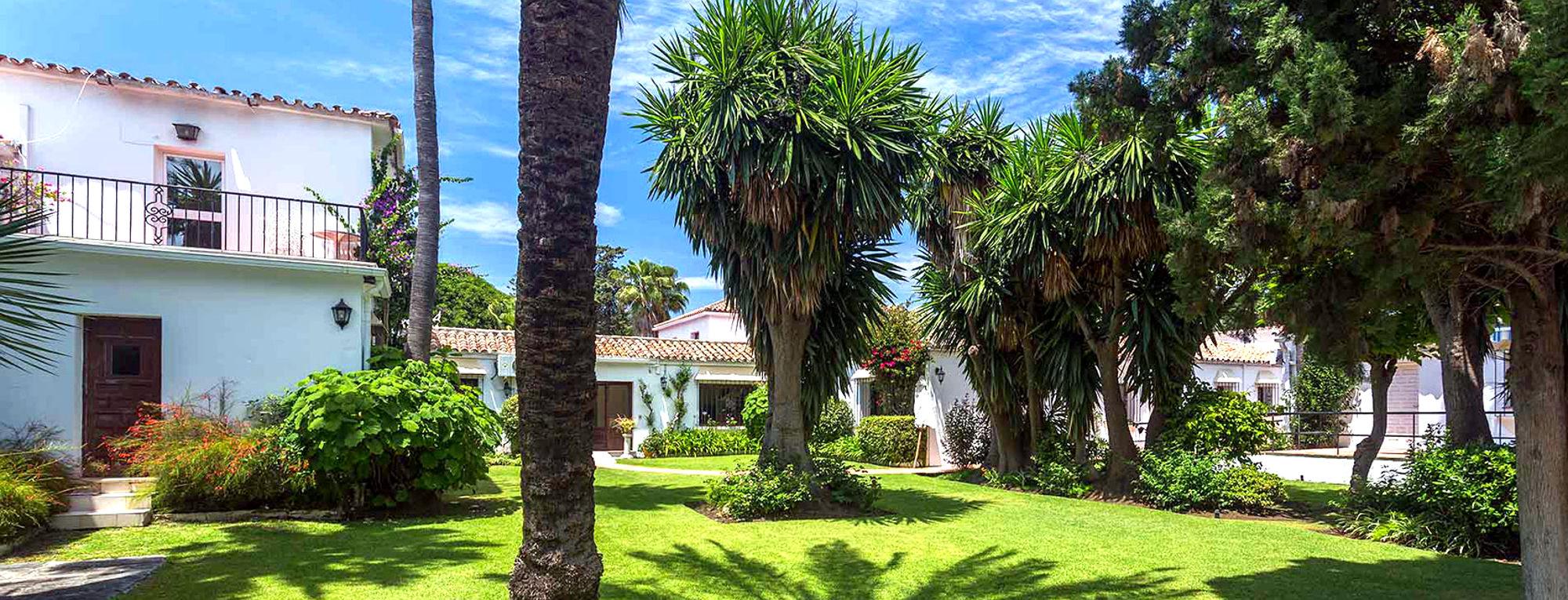 Drug Rehab Center in Marbella - Buildings & Trees